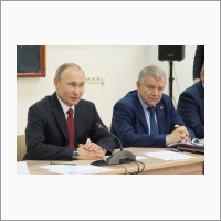 Vladimir Putin and Valentin Parmon at a meeting with scientists at INP SB RAS 08.02.2018. Photo Yu Pozdnyakova.