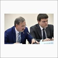 Павел Логачев и Михаил Котюков в ИЯФ СО РАН 8 февраля 2018 года.