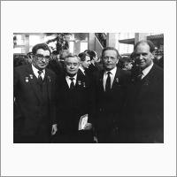 На XXVII съезде КПСС
