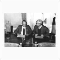 С вице-президентом Болгарской АН Л. Желязковым. 1980 год