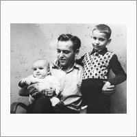 С сыновьями. 1964 год