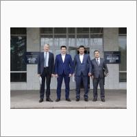 Встреча директора ЛИН СО РАН д.г.-м.н. Андрея Федотова (второй слева) с представителями Великого государственного хурала Монголии, ректором БГУ