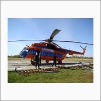 До некоторых мест исследований специалисты Западно-Сибирского филиала ИНГГ СО РАН могут добраться только на вертолете. Фото из архива ИНГГ СО РАН.
