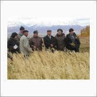 Монгольские и российские ученые во время совместной экспедиции по Увс-аймаку Монголии