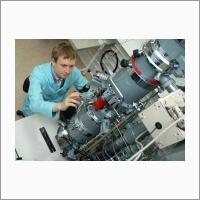 Комплекс сверхвысоковакуумной отражательной электронной микроскопии в ИФП СО РАН