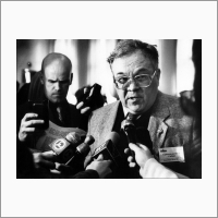 Академик, пред.президиума СО РАН, дир. ОИГГМ Добрецов Николай Леонтьевич дает интервью журналистам.