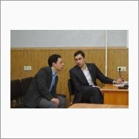 Научный сотрудник Чубаров Д.Л. и ученый секретарь ИВТ СО РАН к.ф.-м.н. Редюк А.А.