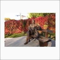 Памятник академику Дмитрию Константиновичу. Беляеву, автор проекта – Андрей Харкевич, скульптор - Константин Зинич.