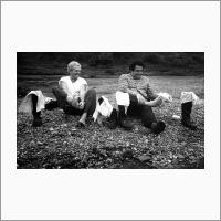 Краткие минуты отдыха. Слева направо: Юрий Ефремович Нестерихин и Абел Гезевич Аганбегян. Источник: Архив ИАиЭ СО РАН.