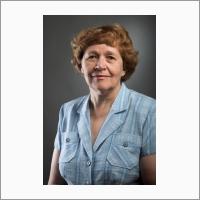 Першина Лидия Александровна, д.б.н., руководитель лаборатории хромосомной инженерии злаков, где успешно ведутся исследования по хромосомной инженерии – направлению биотехнологии, ориентированному на увеличение генетического разнообразия мягкой    пшеницы   на основе отдаленной гибридизации.