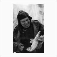 Трофимук А.А. Настоящий рыбак - всегда с уловом. 1986г.