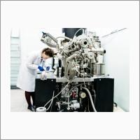 В Группе исследования нанесенных металл-оксидных катализаторов. Автор А.Чегодаева.