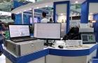 Стенд ИАиЭ СО РАН: слева – система опроса волоконно-оптических датчиков встроенных в композитные материалы, справа – прецизионная цифровая интерферометрическая система для контроля формы оптических поверхностей