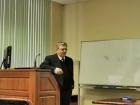 Академик Николай Колчанов выступает на семинаре в ИВМиМГ СО РАН