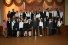 Академик Алексей Конторович со школьниками. Кемерово