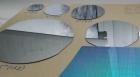 Микрочипы (справа) и кремниевые подложки разного диаметра, ИФП СО РАН