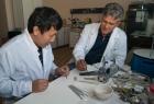 Разработка микротрубчатых твердооксидных топливных элементов в ИХТТМ СО РАН, справа - А.П.Немудрый
