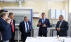 Валентин Пармон и Сергей Меняйло в Институте химии твёрдого тела и механохимии СО РАН
