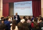 Академик Валентин Пармон читает лекцию в базовой школе РАН, Новосибирск
