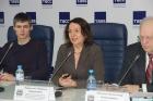 Людмила Перепечко (в центре)