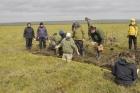 Международный коллектив исследователей в тундре